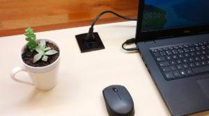 conjunto interruptor para móveis aplicado em mesa